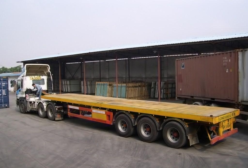 代理货物运输保险、报关、清关、卡车派送等港口服务