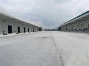 上海宝山杨行14000平米双边平台库周转场地30米无税收