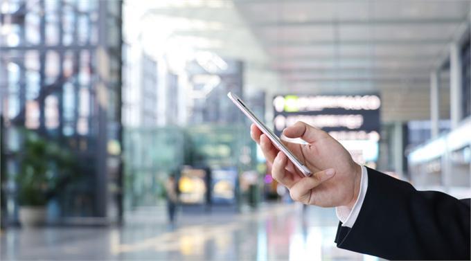 广深铁路刷手机坐火车:3秒刷码乘车 支付宝实名+刷脸有效防黄牛