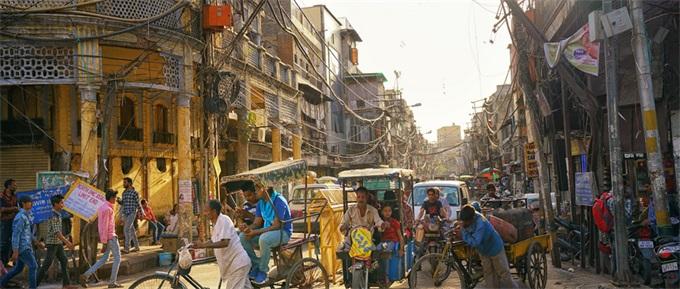 印度7月乘用车销量创19年新低 近18个月失去3.2万就业岗位
