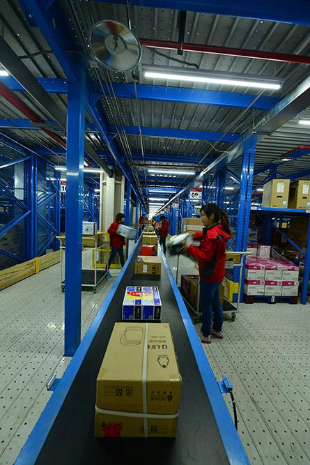 """京东上海""""亚洲一号""""的仓库管理系统,仓库控制系统,分拣和配送系统"""